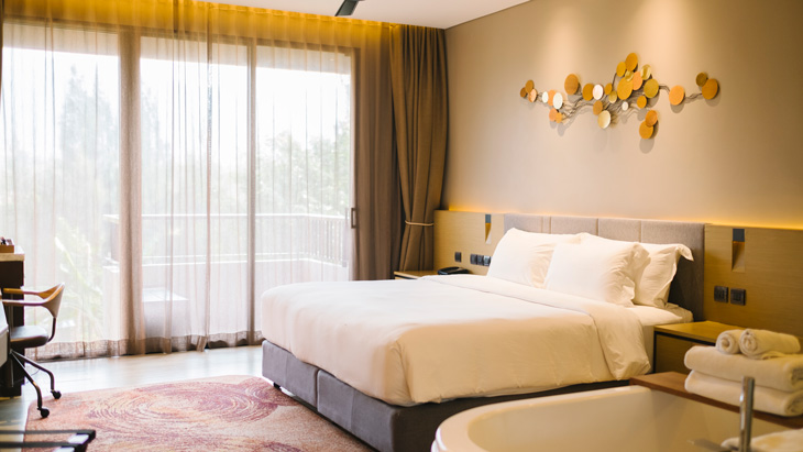 Luxury bedroom in hotelLuxury bedroom in hotel