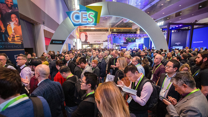 ces-2019-opening-hallway-crowd-6709